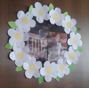 Kartondan Atatürk Çelengi Yapımı